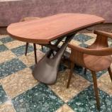 『【こだわりのウォールナット空間】イタリアCOMPAR社・PARISにフジファニチャー・nagiチェアをセット』の画像