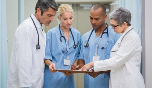 「給料増やすな!」ケベック州の医師が昇給に反対して世界中で話題に