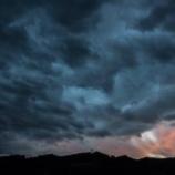 『毎回『台風接近』で焦ってるあなた。とりあえず、安全な所に引っ越しなさいよ。じゃないと死にますよ。』の画像