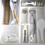 『●キッチンの引き出し収納● 使い勝手を考えたカトラリー・キッチンツール・保存容器の収納』の画像
