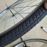 『タイヤがまだ使えても:チューブのチェックと交換は忘れずに。』の画像