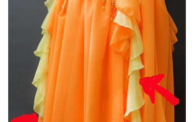 『ベリーダンス衣装 クルンとした装飾には秘密があるのですよ!』の画像