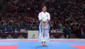 【日本の武道】    女子世界一の 空手演武に 外国人が心酔。 女性空手家 の宇佐美里香。    海外の反応