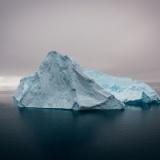 【悲報】南極の氷の下に巨大な何かが埋まっている模様・・・・。