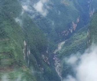 【画像】中国、世界一高い橋が完成。凄すぎだろ…