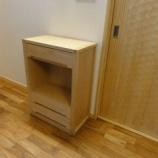 『【お客様設定のセミオーダー家具】バーチ材の電話台を納品』の画像