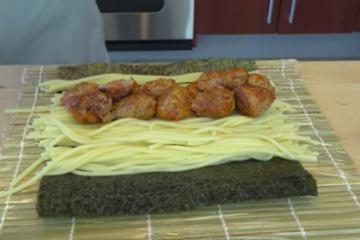海外「絶対美味しいはず」日本では絶対生まれない「ミートボールスパゲティ寿司」が外国人に大好評
