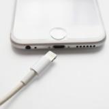 【悲報】陽キャ白人さん、iPhoneを風呂に落下させ感電死…!!!!