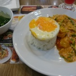 『バンコク・スワンナプーム空港 朝食はレストランで「プーパッポンカリー(ปูผัดผงกะหรี่)」を!』の画像