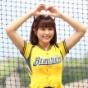 【野球】チュンチュン、ミニスカでスラリ美脚大胆披露
