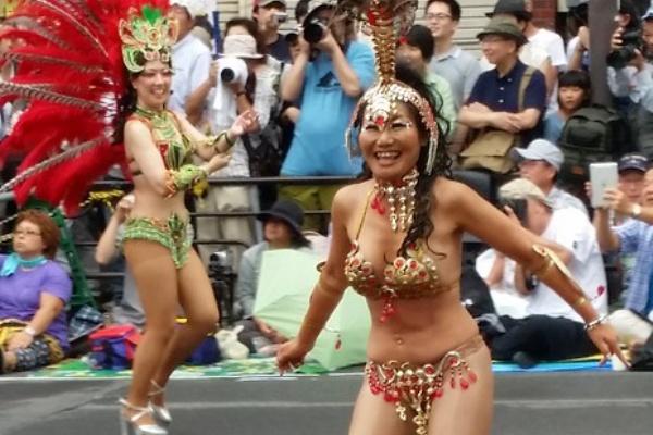 カーニバル 日本 サンバ