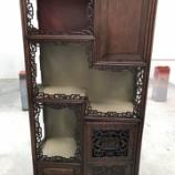 『【中国アンティーク家具】飾り棚の塗り直し』の画像