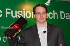 【GPU】AMDが「Radeon HD 6990」の実機をシンガポールのイベントで披露