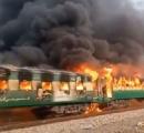 乗客が朝食を作ろうと使用したボンベが爆発し死傷者100人超えの列車事故