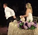 自分の結婚式で人命救助をした新郎が話題に