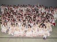 第62回レコード大賞 AKB48「離れていても」優秀作品賞キタ━━━━(゚∀゚)━━━━!!