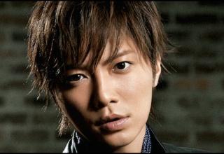 【朗報】元俳優成宮寛貴さん、明らかに女が撮ってない写真を投稿する