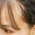 【朗報】女子の間で謎に流行ってた前髪スカスカスダレヘア、無事廃れるwww