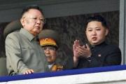 北朝鮮、金正恩氏の様々な伝説を出版化 幼年時から銃を扱い車を運転、軍事訓練で自ら戦車を運転 など