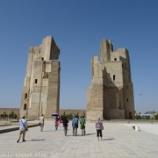 『ウズベキスタン旅行記37 【世界遺産】圧倒的なスケールの大きさ、ティムール像とアク・サライ宮殿跡』の画像