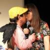 【悲報】元AKBメンバーがお笑いグループDのUとのキスを激写される・・・
