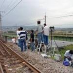 【撮り鉄がまたやらかす!】 電車を愛する撮り鉄が遮断機の降りた踏切にまで侵入して問題に