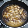 シンプルに作った「親子とじ」をご飯鍋で炊いたご飯で食べる「親子ご飯」
