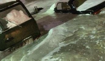ロシア北部の-30℃の町で水道管が破裂、氷に飲み込まれ町が死ぬ