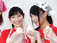 AKB48 まゆゆがエプロン姿で炊き出し初体験 【動画&画像まとめ】
