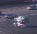レースでポルシェの上にポルシェが乗っかる珍現象が発生www