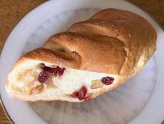 山代温泉のパン屋さん2題!おなじみの「ルイドール」と洋菓子「ももばくだん」が有名な「ケルン」のパン