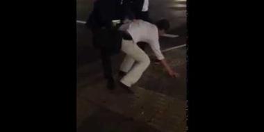 【動画】名古屋駅でサラリーマンが酔っ払いをボコボコ