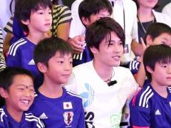 【動画】アディダスのイベントで子ども達と写真を撮る内田!もうすっかりパパの顔www
