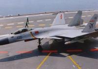 中国軍の空母艦載機「J(殲)-15」の改良が進まず、空母関連予算を逼迫!