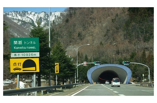 【東京に誰もいなくなる日】お盆休みを故郷で過ごすための帰省ラッシュ、東名ではやくも30キロの渋滞へのサムネイル画像