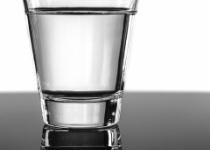 1日2リットルは水を飲め←自分の感覚のが大事だろ