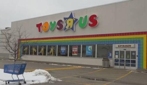 米トイザらス、735店舗全て閉鎖へ
