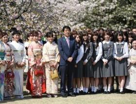 なぜモー娘。は桜を見る会に呼ばれないんだよ!?【乃木坂ももクロは出席】