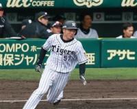 岡崎、2二塁打で初開幕マスクへ大前進!虎将「レギュラーに一番近い」