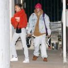 『【体調良さそう…!?】ジャスティン・ビーバーとヘイリー・ビーバーが教会にお出かけ!Justin Bieber and wife Hailey step out for church service』の画像