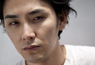 【衝撃】松田龍平、離婚へ 妻・太田莉菜との別居の裏に若手俳優