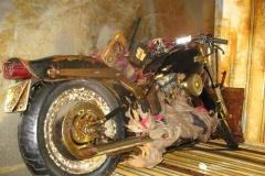 被災地から流れついたバイク 米メーカーが修理へ