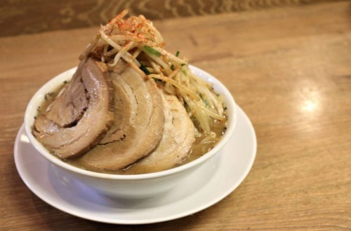 【不健康万歳】 ラーメンが月8600円で食べ放題wwwwww のサムネイル画像