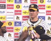 【阪神】爆笑お立ち台 陽川にバナナ ボーアは「タイガースファンメチャメチャイイ」