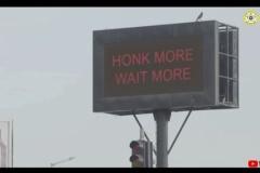クラクション鳴らすと待ち時間が増える信号【インド】
