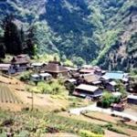 山の中にポツンとある村www