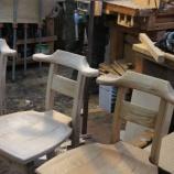 『椅子の仕上げ・キャットミント』の画像