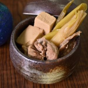 珍しい組み合わせ♪牛すじ肉と高野豆腐の煮物