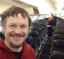 乗客(もう時間だよな…俺しかいないぞ?) スチュワーデス「きょうはお客様ひとりのフライトです」