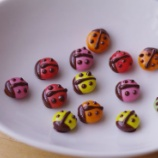 『マーブルチョコがテントウムシとかわいいがま口に♥♥』の画像